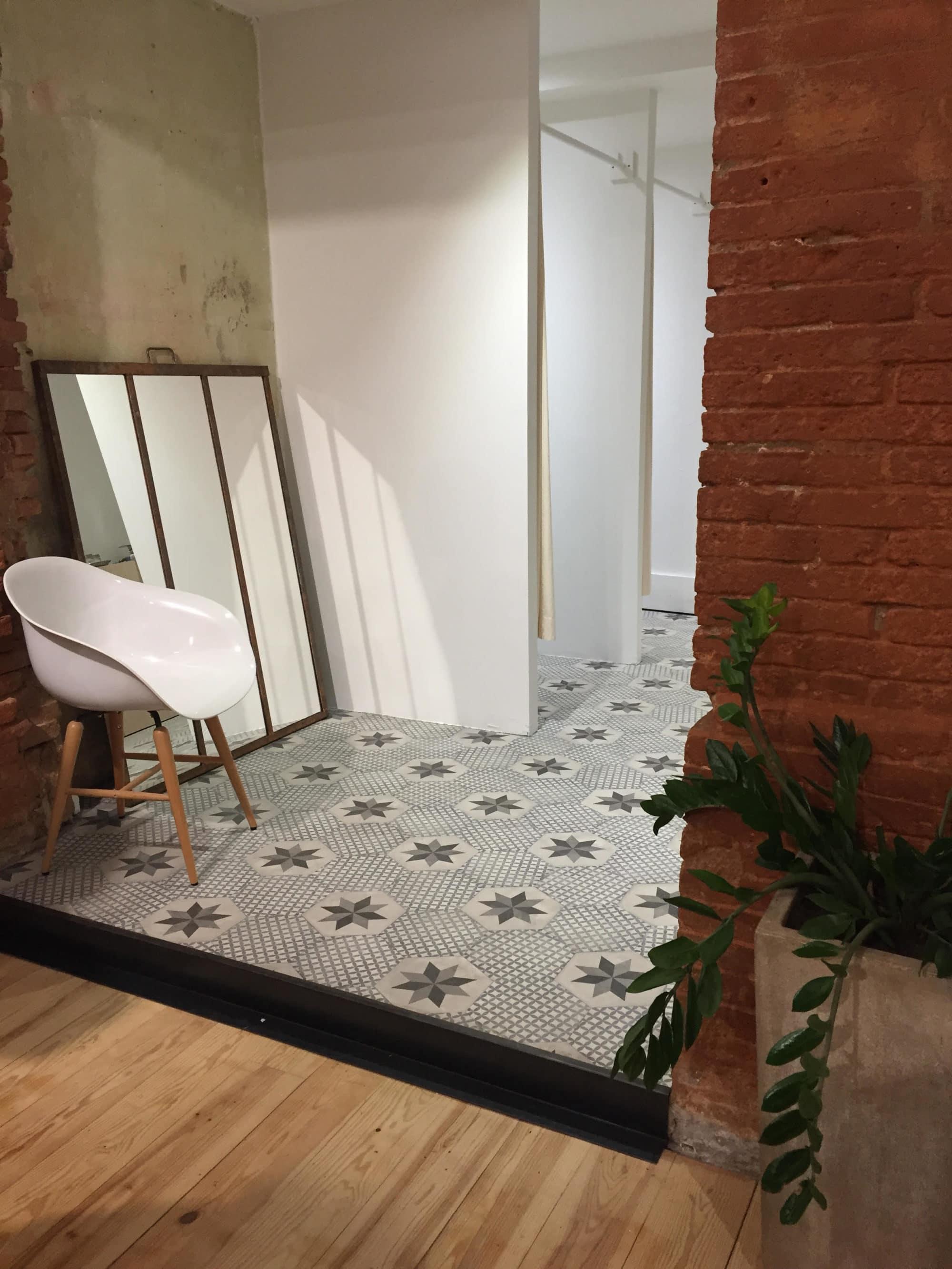 Portfolio l m c s la maison du carrelage balma toulouse for K meuble balma