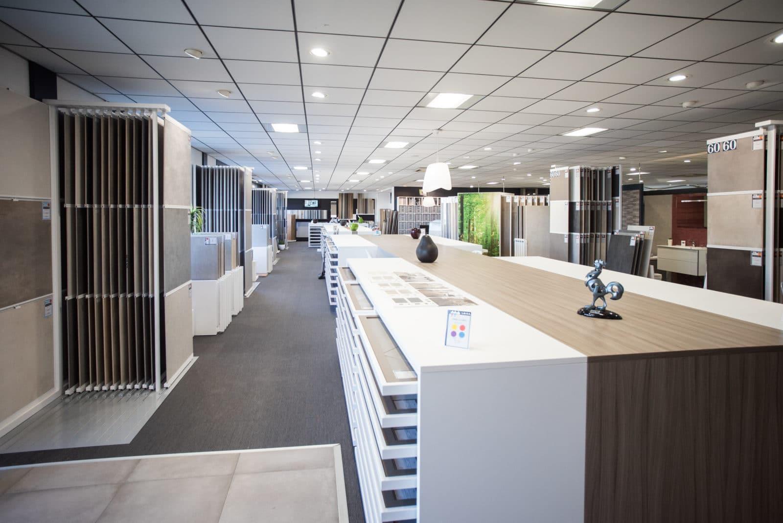 showroom 600m salle de bain et carrelage toulouse balma lmcs la maison du carrelage. Black Bedroom Furniture Sets. Home Design Ideas