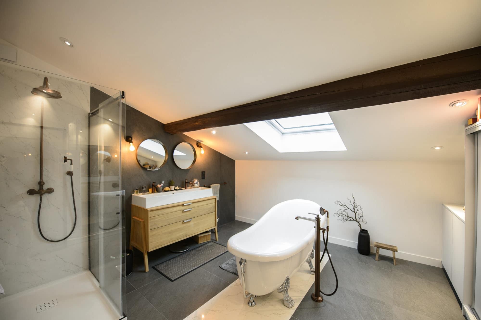 Salle de bain gratentour lmcs la maison du carrelage - Showroom salle de bain toulouse ...